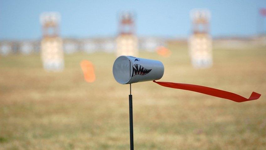 تخمین سرعت باد در تیراندازی دقیق