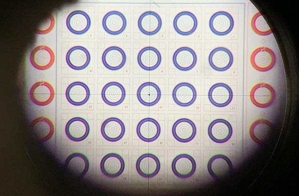 Leupold 45 45 crosshir reticle - دوربین بنچ رست